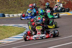 O Kartódromo Delci Damian terá um sábado de decisão, que irá apontar os campeões de todas as categorias do Metropolitano de Kart de Cascavel (Foto: Tiago Guedes)